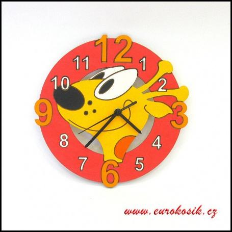 Dětské hodiny nástěnné žirafa červená