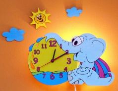 Lampička s hodinami slůně + dekorace
