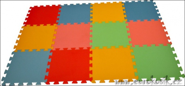 Pěnový koberec 12 maxi